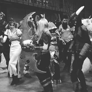 Как в хорошем диснеевском фильме, все герои и злодеи должны танцевать.