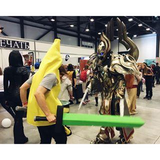 Ничего странного. Просто банан с двумя мечами нарвался на Артаниса #starcon #digitalbanana #starcraft